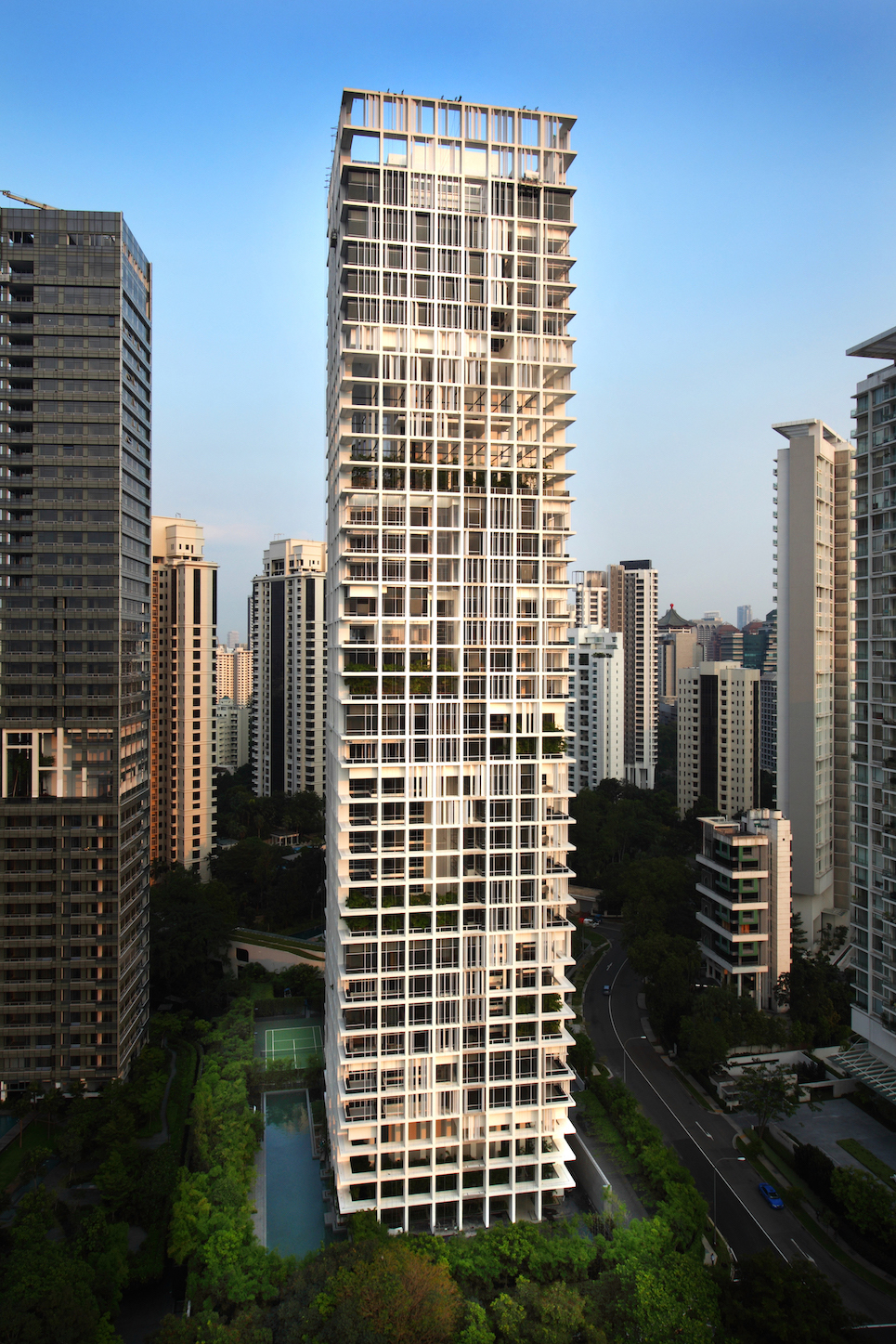 LE NOUVEL ARDMORE - A 3,929 sq ft, four-bedroom unit on the 12th floor of Le Nouvel Ardmore recently fetched $15.7 million or $4,000 psf (Photo: Samuel Isaac Chua/EdgeProp Singapore)