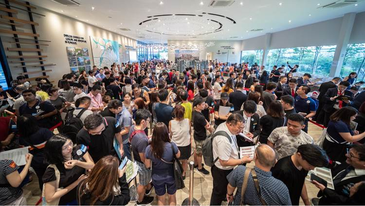 Crowd on the first weekend of sales at Piermont Grand, the only EC project launched in 2019 (Photo: City Developments Ltd)