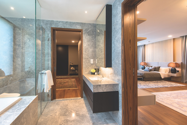 The master bathroom with full marble (Photo: Albert Chua/EdgeProp Singapore) - EDGEPROP SINGAPORE