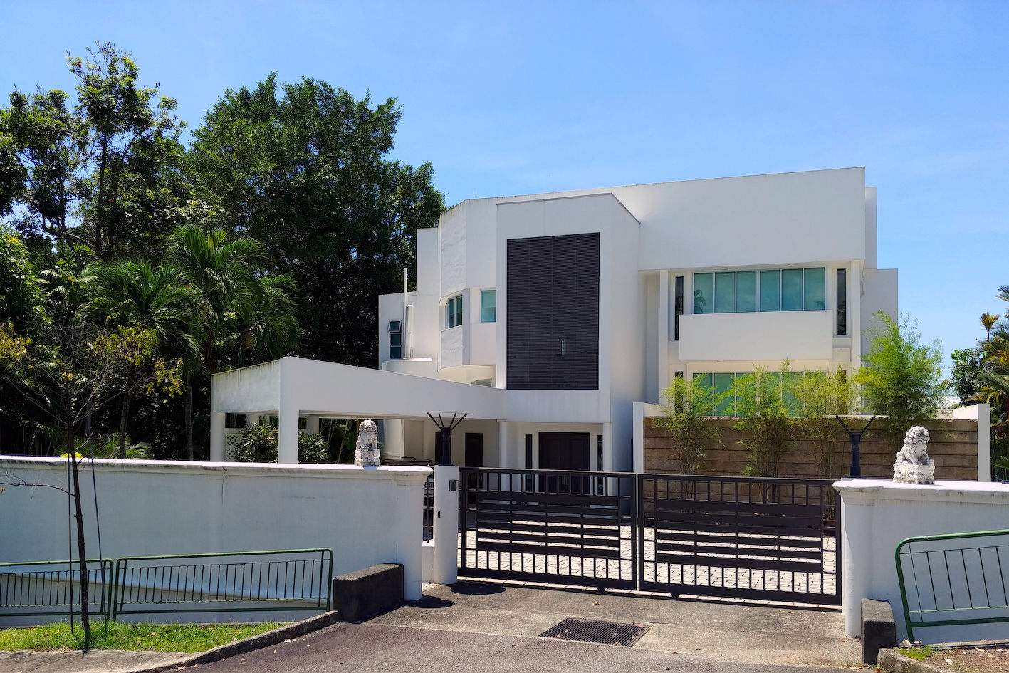 The Good Class Bungalow at Second Avenue belonging to OK Lim and his wife had a caveat lodged for $27 million (Photo: Samuel Isaac Chua/EdgeProp Singapore)