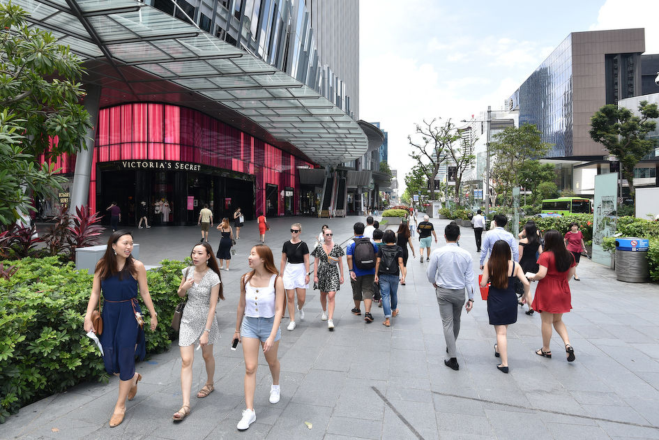 Orchard Road premium shopping belt - one of the. attractions of living in the prime district such  as Cairnhill (Photo: Albert Chua/EdgeProp Singapore)