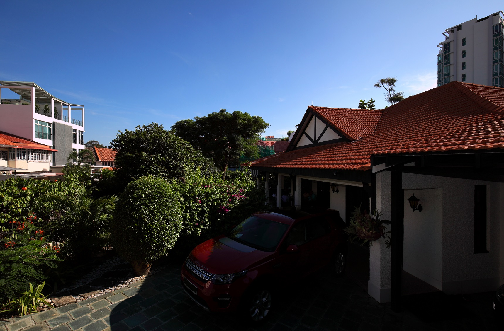 The car porch of the  house (Photo: Samuel Isaac Chua/EdgeProp Singapore) - EDGEPROP SINGAPORE