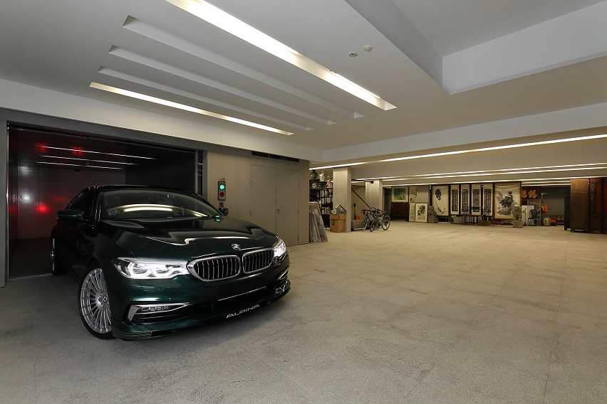 The basement carpark comes with a car lift and parking space for 12 supercars including Rolls-Royce and Bentley (Photo: Samuel Isaac Chua/EdgeProp Singapore)
