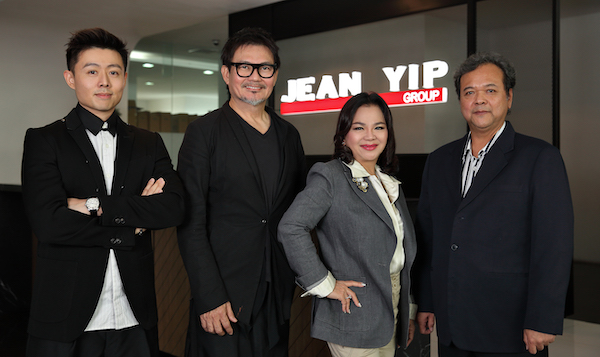 Fong (extreme left) is general manager of Jean Yip Holdings while husband Mervin Wee is group managing director of Jean Yip Group and brother Oliver (extreme right), business development director of Jean Yip Group (Photo: Samuel Isaac Chua)
