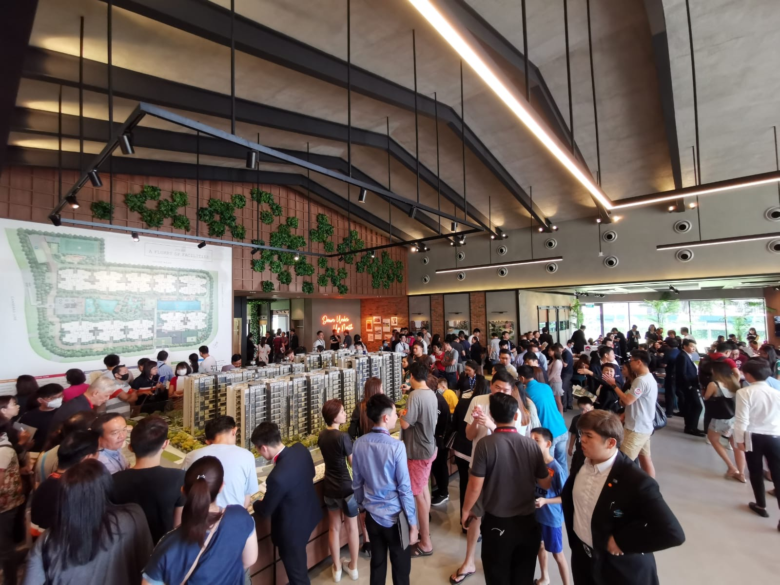 Crowd at Parc Canberra's sales gallery, which drew 2,200 visitors at the close of Feb 1 (Photo: Albert Chua/EdgeProp Singapore)