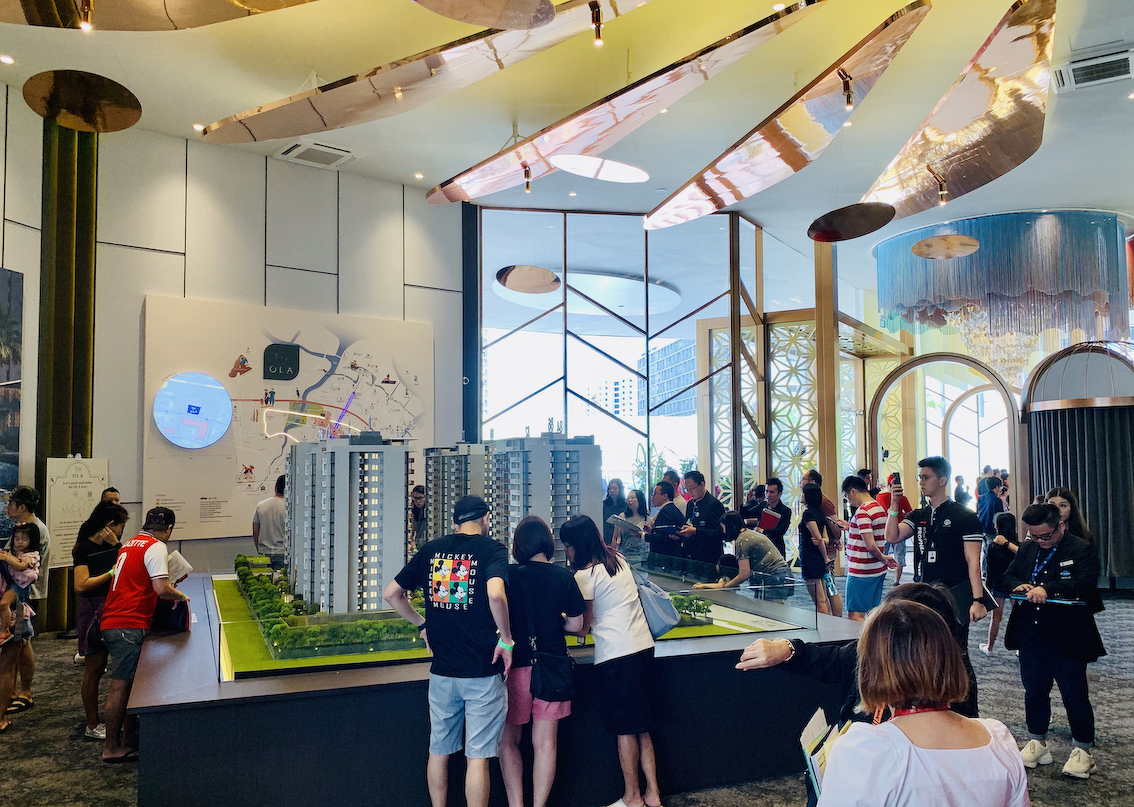 Crowd at Ola sales gallery over the weekend of Feb 15-16 (Photo:EdgeProp Singapore) - EDGEPROP SINGAPORE