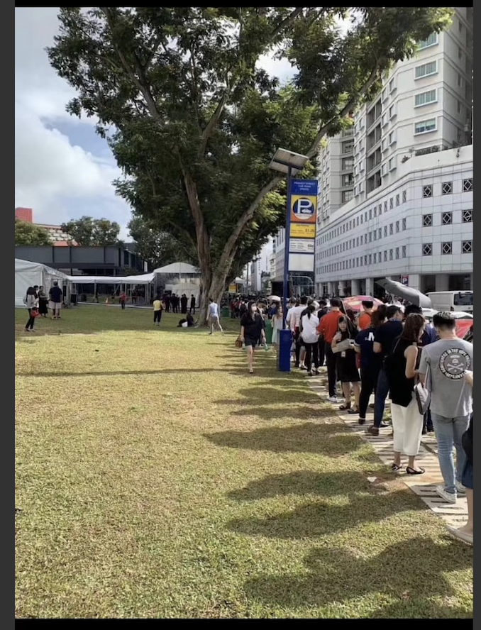 The queue outside the sales gallery of The M on Feb 22, where balloting took place from 8.3am to 3pm (Photo: Wing Tai Asia)