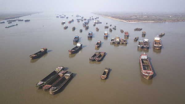 Empty cargo barges on the Yangtze River in China illustrate how the virus outbreak has disrupted supply chain in traditional manufacturing processes, casting the spotlight on the benefits of industry 4.0 and cloud manufacturing (Photo: Bloomberg)