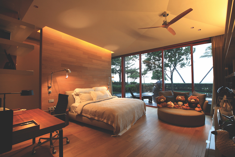 SENTOSA COVE - Bedroom with a view and direct access to the swimming pool (Credit: Samuel Isaac Chua/EdgeProp Singapore)