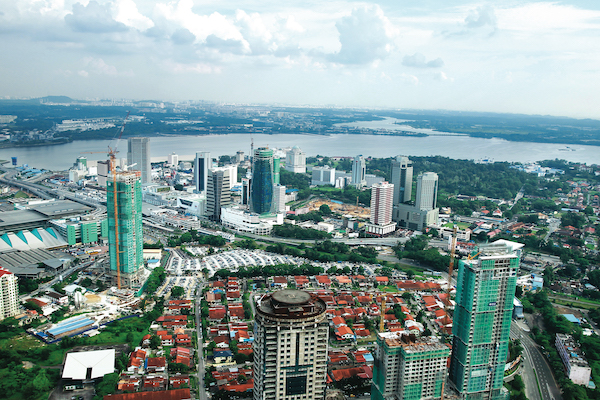 Developers in Johor Baru continued to concentrate on clearing existing stock, particularly high-rises, during the quarter under review (Photo: MOHD SHAHRIN YAHYA/THE EDGE MALAYSIA)