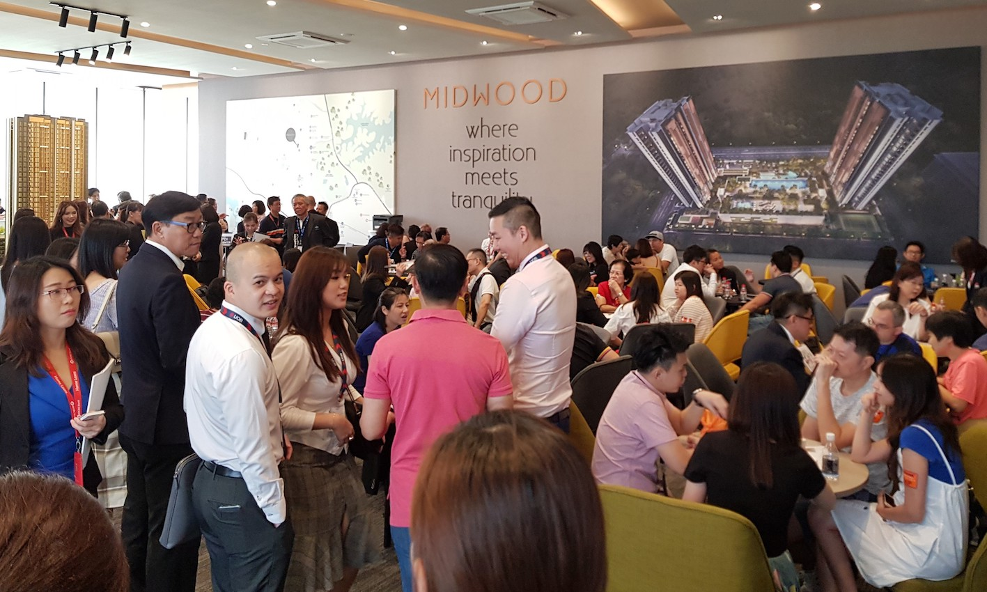The crowd at Midwood on launch weekend (Photo: Hong Leong Holdings)