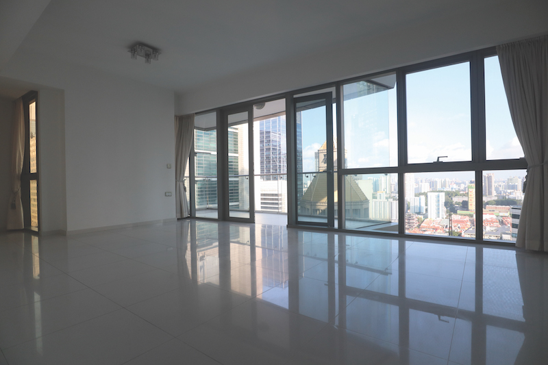 ONE SHENTON - The unit offers unblocked views of the city from the living and dining area  - EDGEPROP SINGAPORE