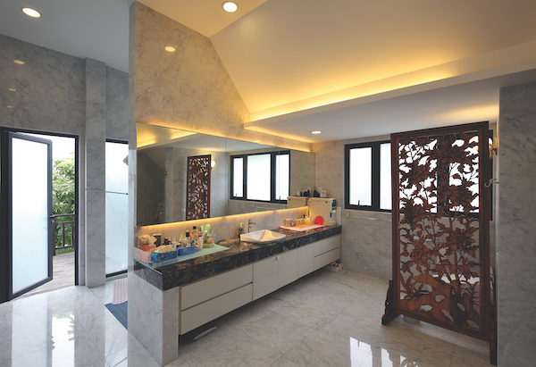 The spacious bathroom (Credit: Samuel Isaac Chua/ The Edge Singapore)