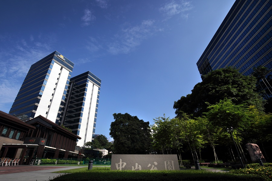 BALESTIER - hongshan Mall is linked to Zhongshan Park, and has more than 58,000 sq ft of retail space