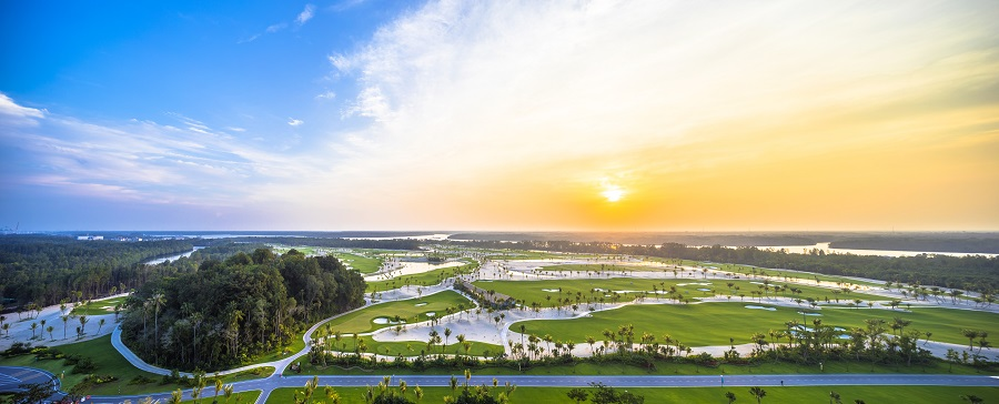 FOREST CITY - The Legacy Golf Course, designed by Jack Nicklaus and his son Jack Nicklaus II, opened in September last year (Credit: Country Garden Pacificview)