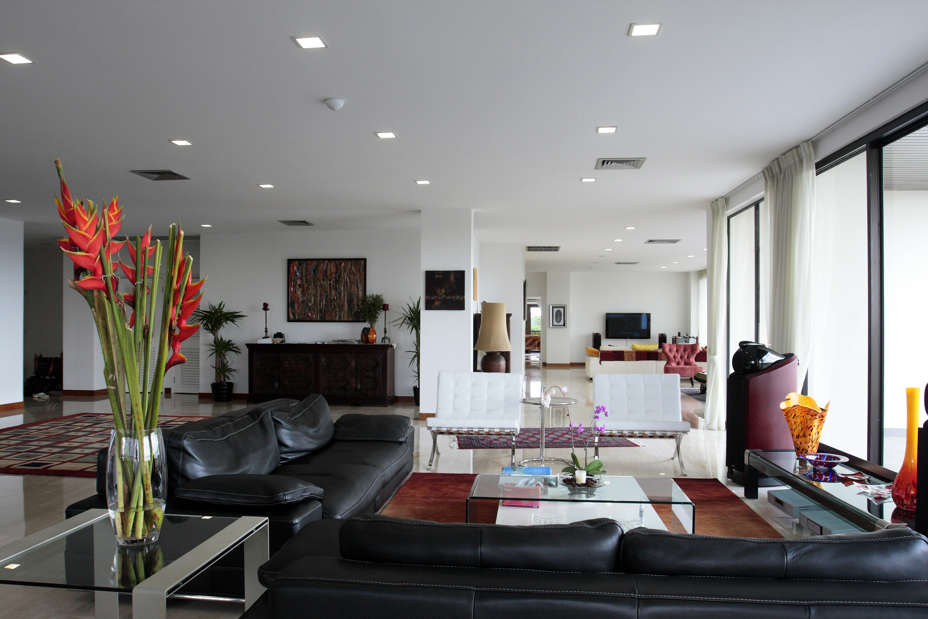 Currently, 4-bedroom units at The Arcadia are listed on EdgeProp.sg at a starting price of $3.48 million.