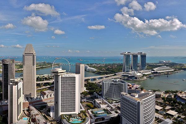 Pan Pacific and Singapore skyline