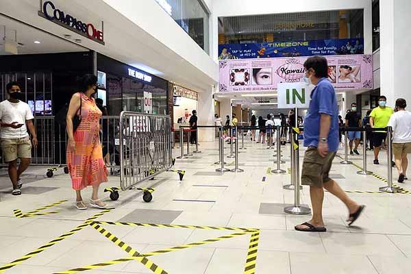 Consultants believe that retail malls will be the most negatively impacted due to sharp declines in footfall (Photo: Albert Chua/The Edge Singapore)