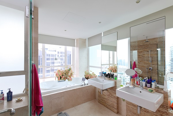 The master shower comprises fittings such as a standing shower, jacuzzi, bath tub, toilet and bidet (Credit: Samuel Isaac Chua/ The Edge Singapore)   - EDGEPROP SINGAPORE