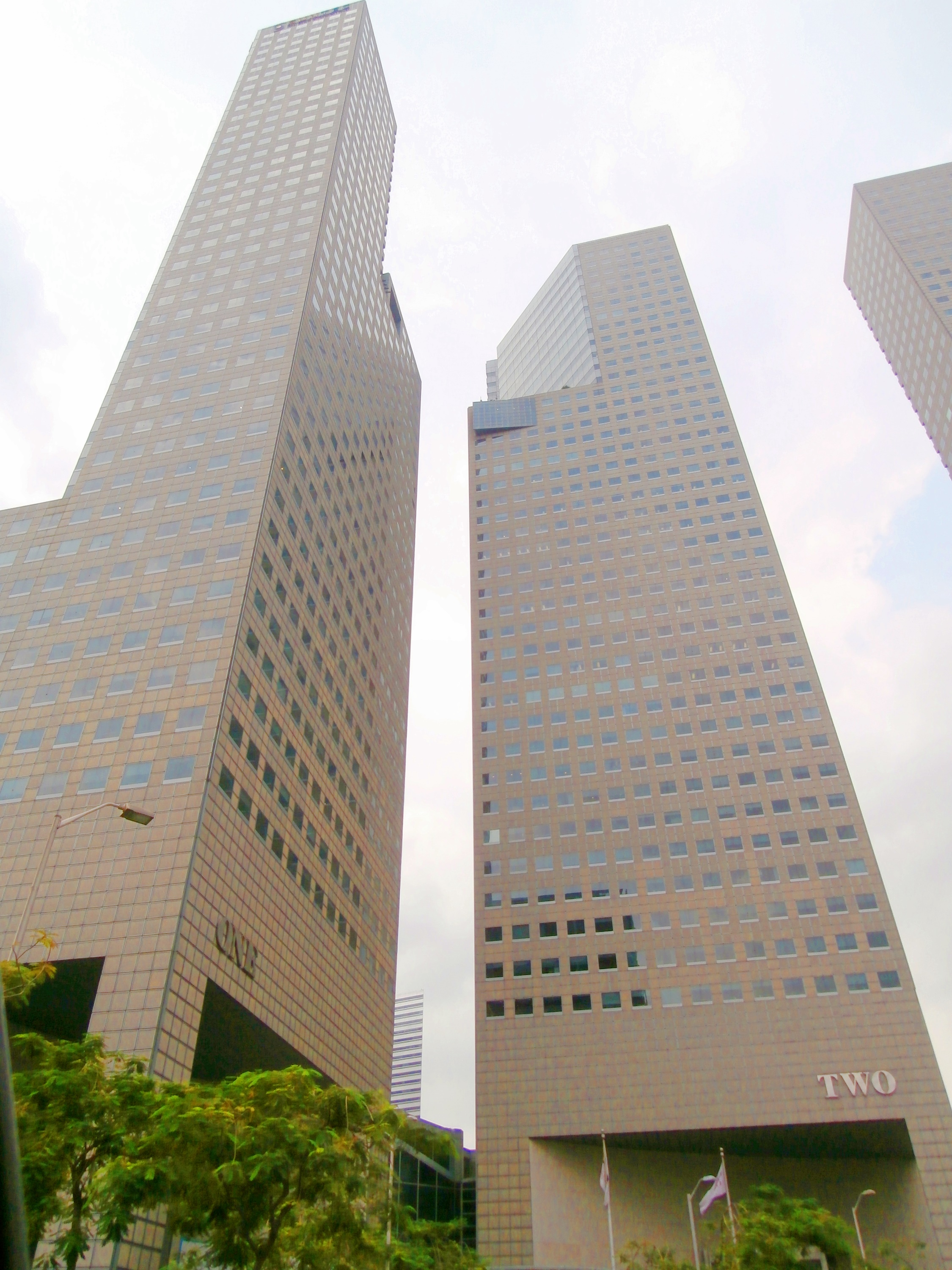 EDGEPROP SINGAPORE -  Suntec Tower 1 and 2 (Credit: Knight Frank)