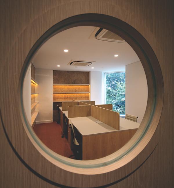Gather的产品包括全装修的办公室、定制的套房和活动空间(来源:Samuel Isaac Chua/ EdgeProp Singapore)。