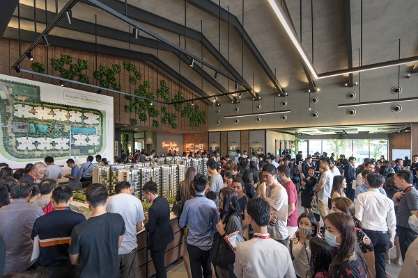 About 5,781 people visited the sales gallery of Parc Canberra executive condo over the three days from Jan 31 to Feb 2 (Credit: Albert Chua/ The Edge Singapore)  - EDGEPROP SINGAPORE