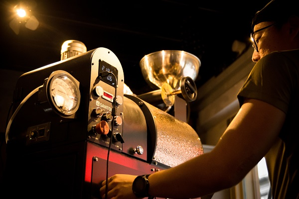 PLQ MALL - Morphine Coffee boasts in-house coffee-roasting facilities (Credit: Lendlease)