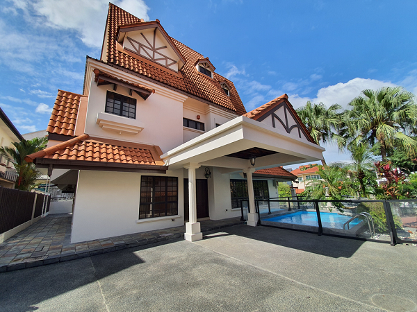 The freehold detached home comprises five bedrooms, a study room, a utility room and a swimming pool (Credit: Edmund Tie) - EDGEPROP SINGAPORE