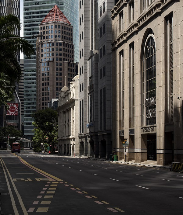 """EDGEPROP SINGAPORE - Over Singapore's """"circuit breaker"""" period, activity in the CBD came to a standstill (Credit: Albert Chua/ The Edge Singapore)"""