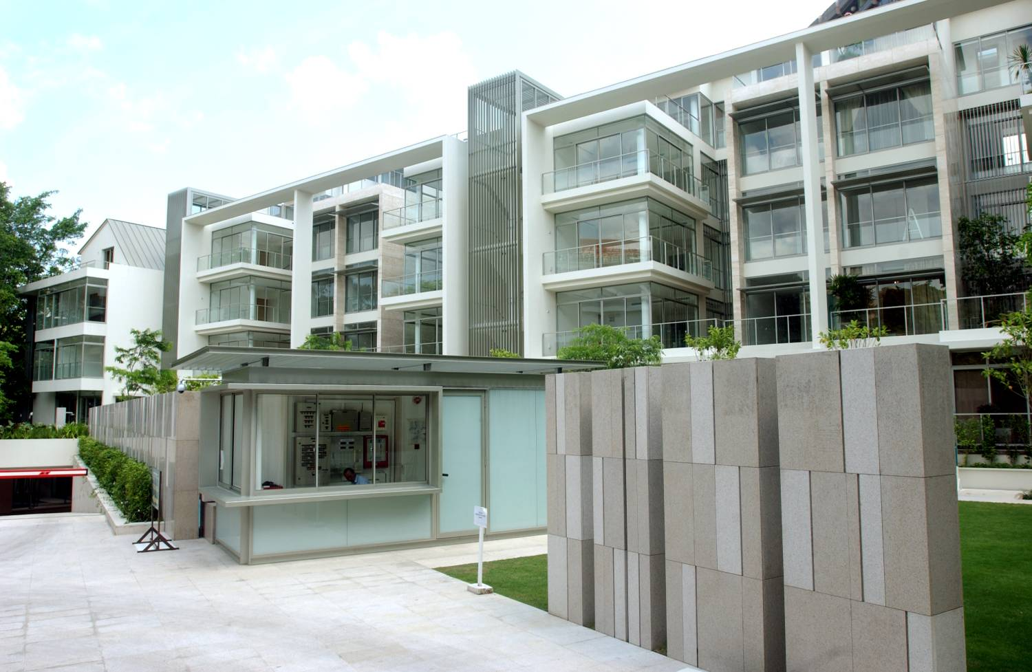 The 1,819 sq ft unit on the second floor of Tanglin Residences was bought for $2.45 million ($1,347 psf) in September 2005, and sold for $3.95 million ($2,171 psf) on Nov 7 (Credit: The Edge Singapore) - EDGEPROP SINGAPORE