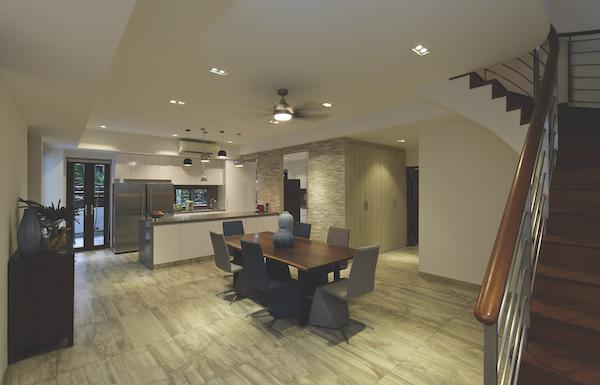 用餐区设有一个开放式概念的厨房,配有一个专门从欧洲进口的石英石台面的厨房岛台