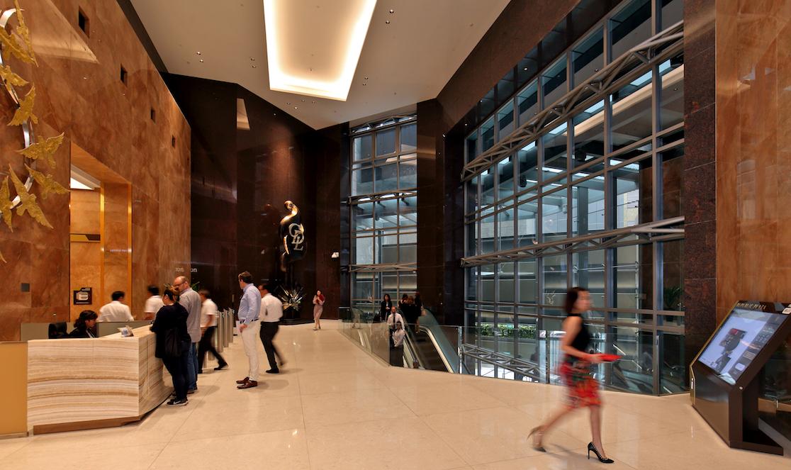 城市发展有限公司重新设计了共和大厦的公共区域布局,以改善客流量