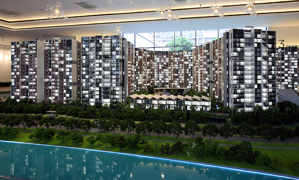 Scale model of Riverfront Residences (Photos: Samuel Isaac Chua/EdgeProp Singapore)