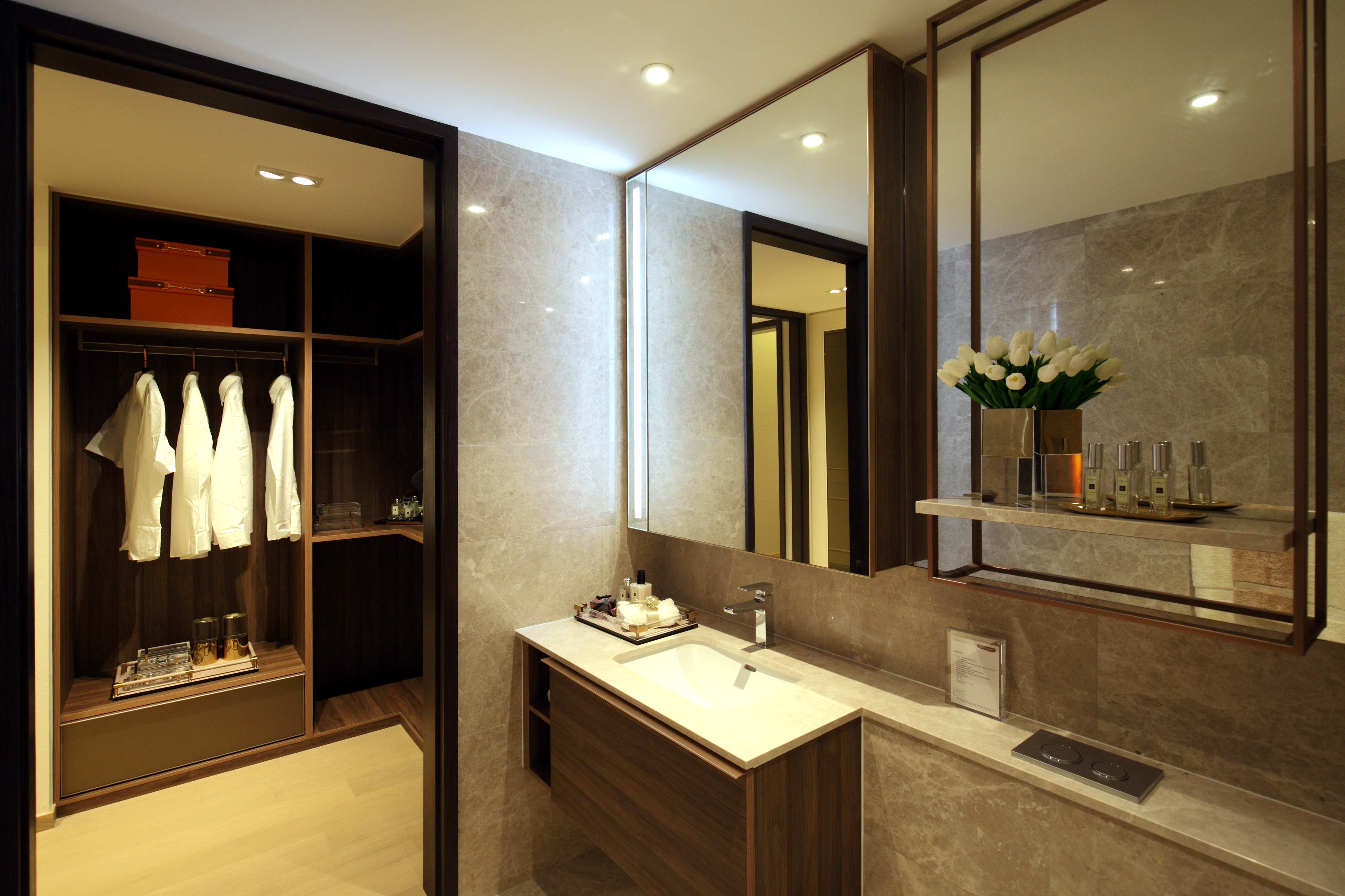 The master bedroom of selected premium units come with en suite bathroom and walk-in wardrobe - EDGEPROP SINGAPORE