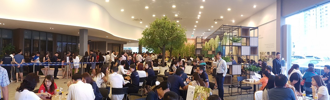 About 4,000 people thronged the sales gallery of Parc Botannia during its preview on the weekend of Oct 28 and 29 - EDGEPROP SINGAPORE