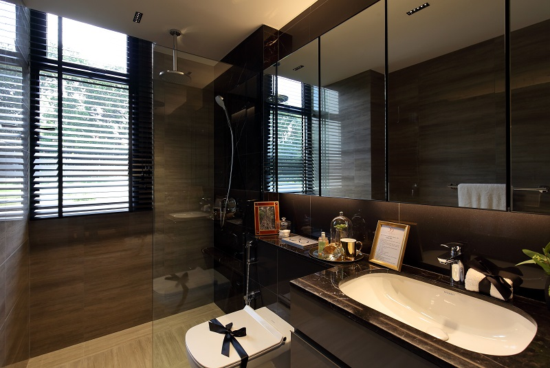 35 GILSTEAD - The master bedroom of the three-bedder comes with an ensuite bathroom - EDGEPROP SINGAPORE