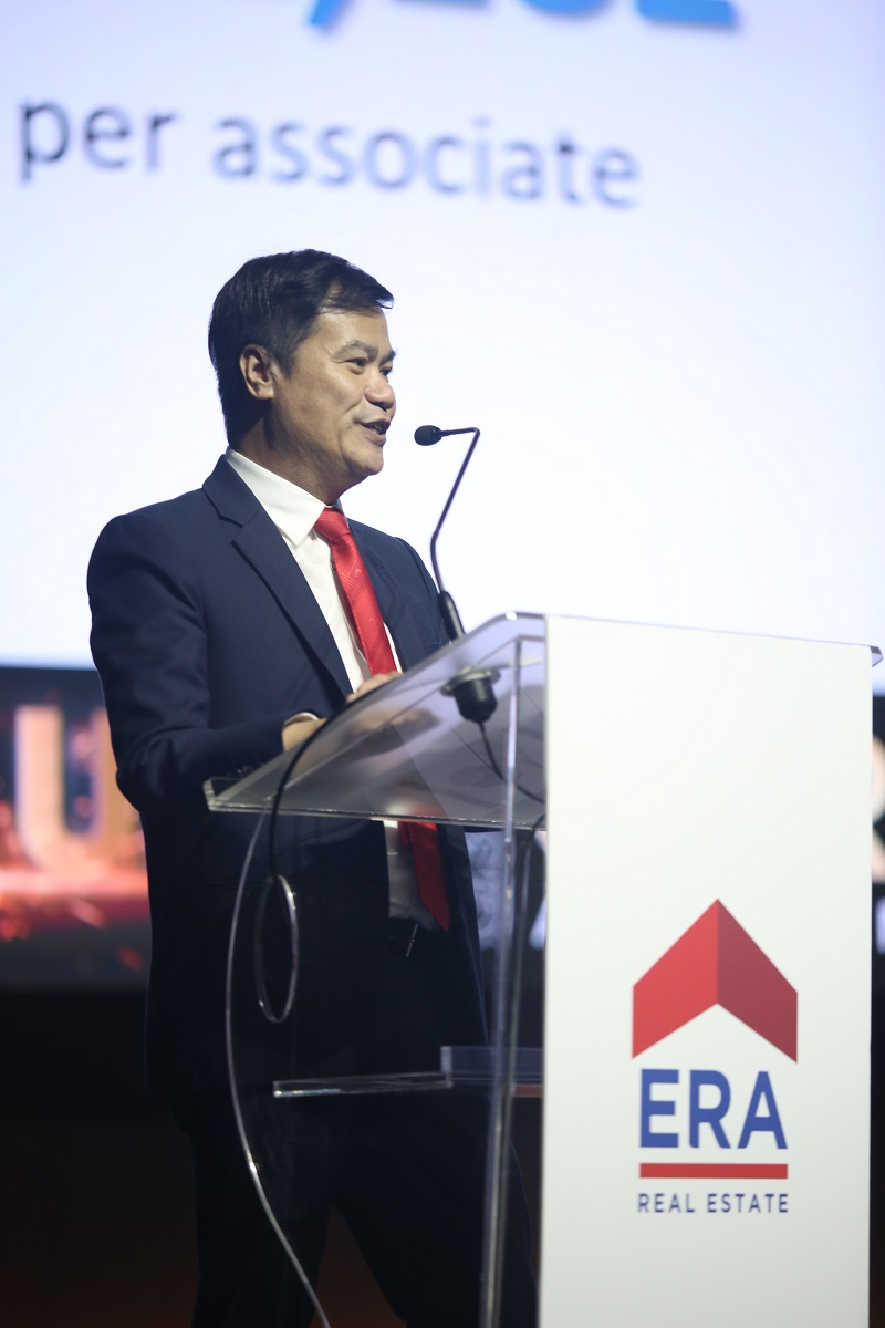 ERA Realty Network - Jack Chua, CEO of ERA Realty Network, speaking at ERA's quarterly Career Advancement Day on Aug 26 - EDGEPROP SINGAPORE