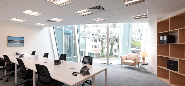 A 20-person private office at No18 Capitol Singapore that overlooks the fountain plaza. (Picture: Samuel Isaac Chua/The Edge Singapore)
