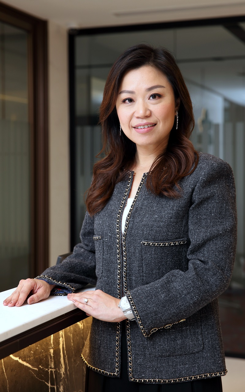 WORLDWIDE HOTELS - Carolyn, Choo's only daughter, is managing director and CEO of Worldwide Hotels Group