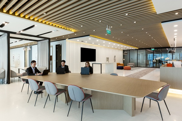 IWG has officially launched its first office space in Asia under its Signature by Regus brand. This new office space is located on the two top floors in Asia Square Tower 1 in Singapore's Central Business District