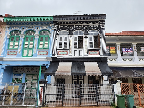 The conservation shophouse (centre) has a rare residential approval in the area, and it can be used as a home office. (Picture: Edmund Tie)