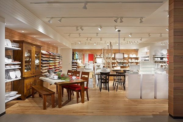 Crate and Barrel still has a physical store at ION