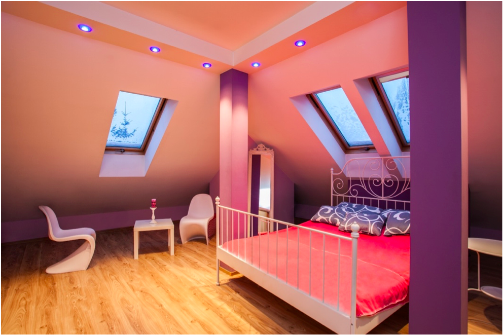 FENG SHUI - While you're in the bedroom, keep your eyeballs peeled for any pillars in it too
