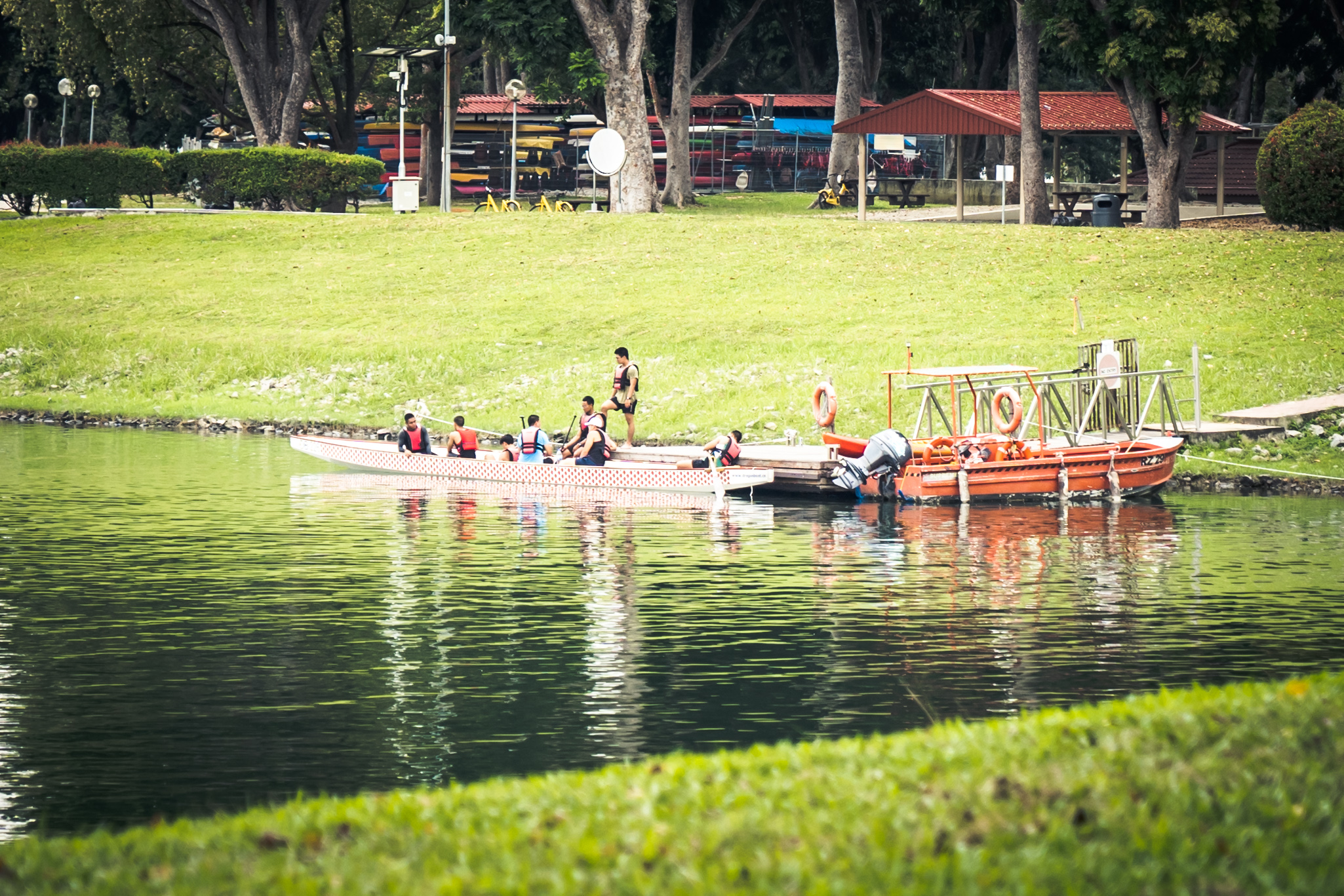 Photo of people playing aquatic sports at Bedok Reservoir